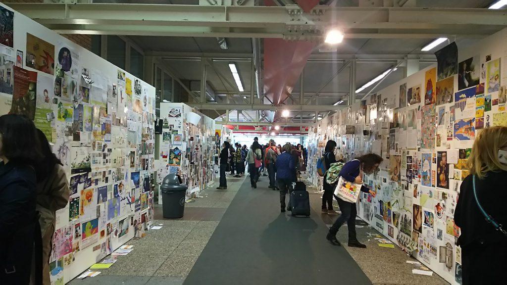 Bologna Children's Book Fair イラストレーターが売り込みチラシを貼れる掲示板
